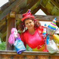 Afacere cu iz de copilărie – CreioNela și teatrul de păpuși